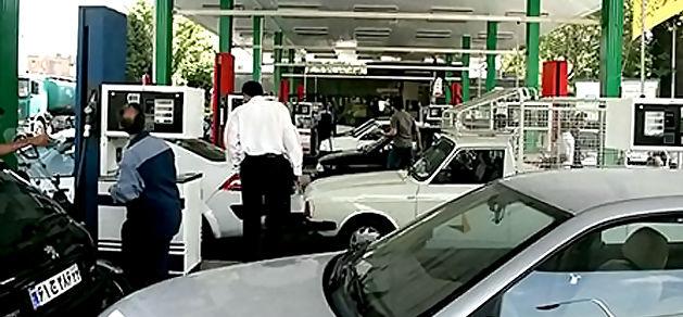 شایعه تکنرخی شدن قیمت بنزین رد شد