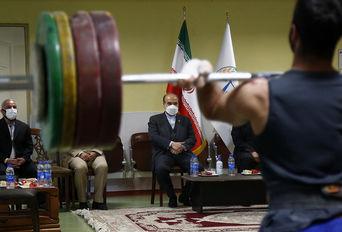 بازدید وزیر ورزش و جوانان از اردوی تیم ملی وزنه برداری