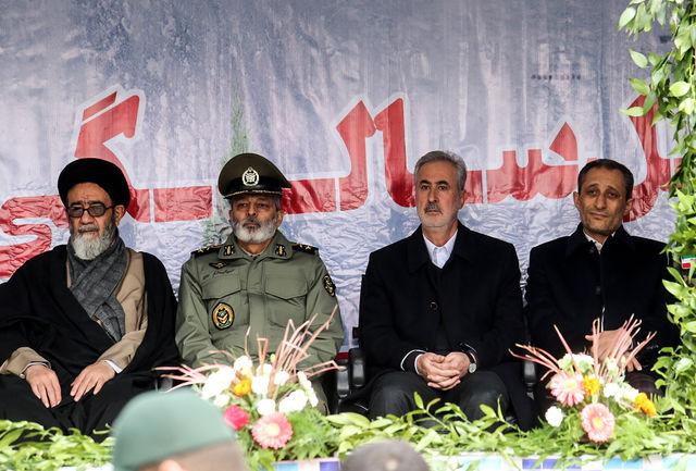 فرمانده کل ارتش:یک روز از انقلاب بدون مبارزه سپری نشده است