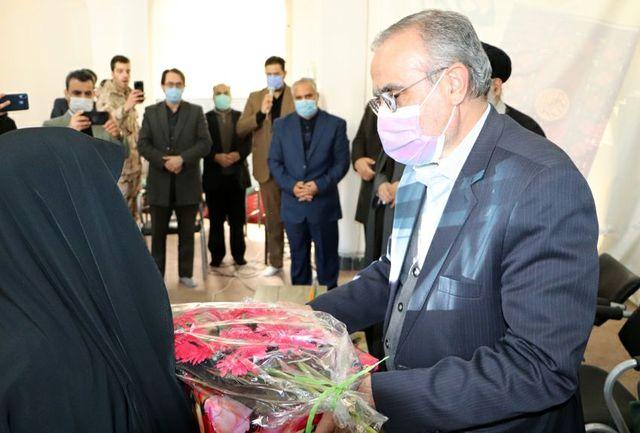 آیین تجلیل از ۱۲۲ مادر و همسر شهید در شهرستان قرچک