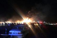 آخرین خبرها از تصادف تانکر سوخت با اتوبوس در جاده کاشان