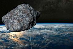 سیارکی به اندازه یک هواپیمای مسافربری دارد به کره زمین نزدیک می شود.