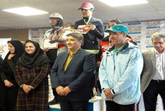 بانوی آستارایی قهرمان مسابقات دوی صحرانوردی کشور شد