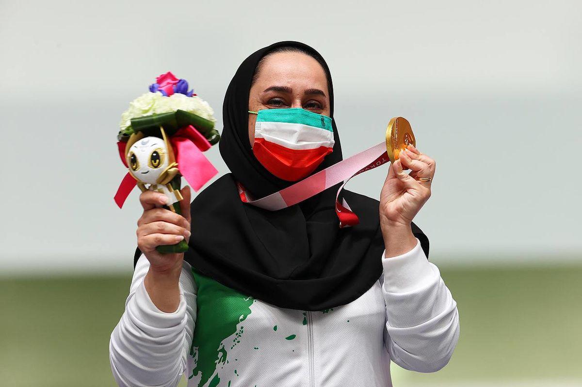 تقدیر از جوانمردی برای قهرمانی همراه با حفظ حجاب و وقار زن مسلمان