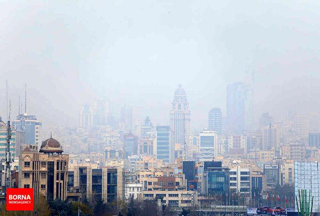 هوای پایتخت برای گروههای حساس جامعه آلوده است