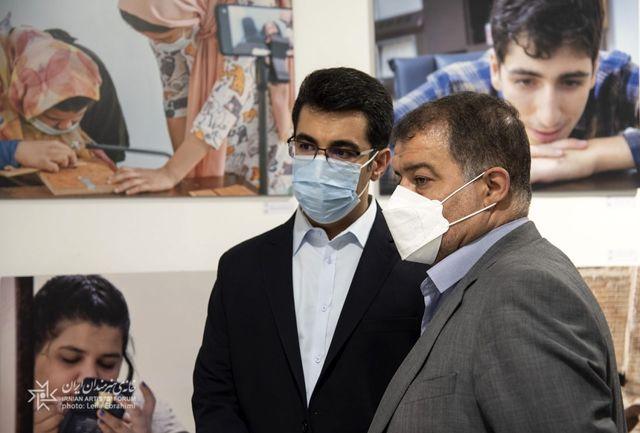 مدیران شهری از نمایشگاههای خانه هنرمندان ایران بازدید کردند