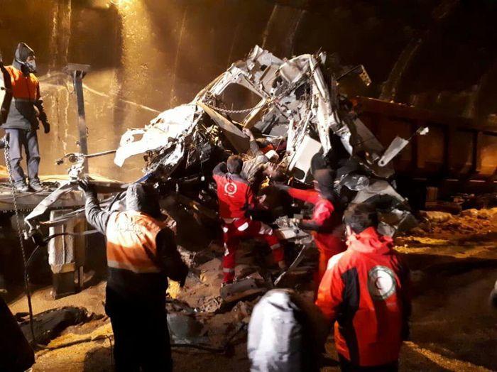 ۳ کشته در تصادف زنجیره ای ۳ کامیون تریلر در آزادراه خرم -زال