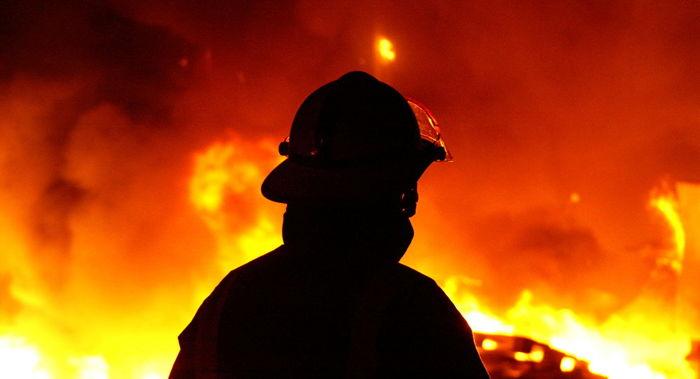 آتش سوزی وحشتناک انبار 4 هزار متری
