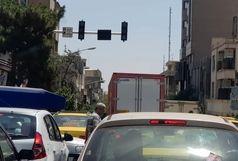 پلیس راهور درخواست برق اضطراری کرد/  سه مامور در هر تقاطع برای باز شدن گره شهر/ ببینید