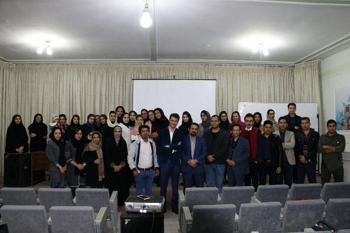 نخستین دوره ورکشاپ عکاسی با موبایل در شهرکرد برگزار شد