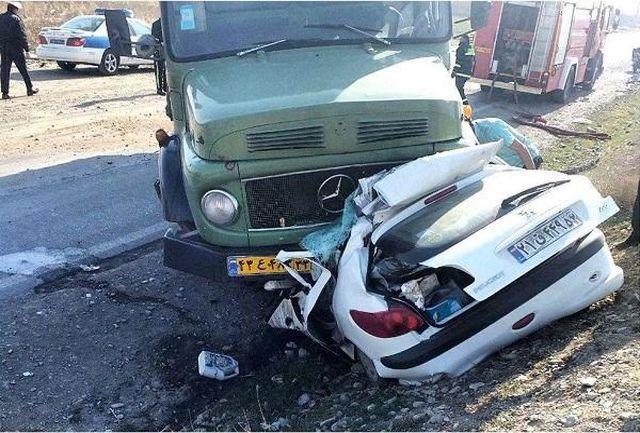 تصادف وحشتناک یک کامیون روی پل باقری تهران