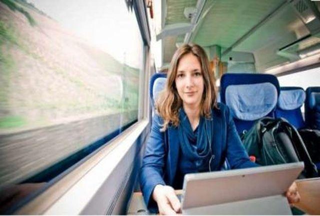 زندگی عجیب دختر دانشجو در قطار! + عکس