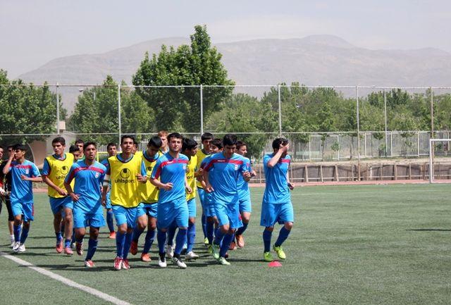 پیگیری تمرینات شاگردان چمنیان در اصفهان