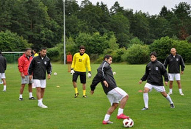 تمرین سبک تیم ملی زیر بارش باران