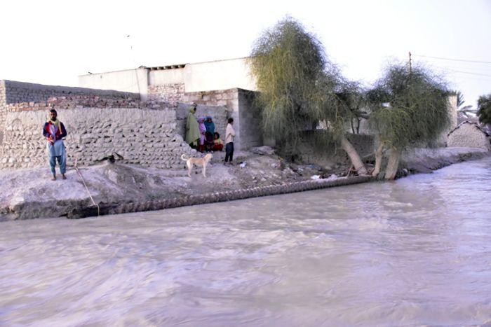 دستور استاندار قم به مدیران دستگاه های اجرایی برای کمکرسانی به سیلزدگان