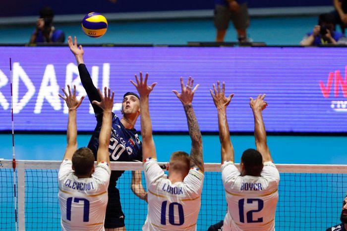 فرانسه تیم دوم شاگردان کولاکوویچ را شکست داد/ ایران آماده هفته پنجم می شود