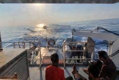 نجات جان سه  صیاد پس از تلاشی 9 ساعته درآبهای جنوب کیش