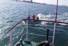 نجات جان دو غریق در آبهای خلیج چابهار توسط شناور ناجی