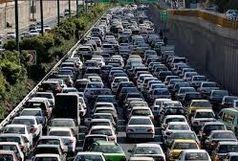 ترافیک در آزاد راه کرج- تهران نیمه سنگین است