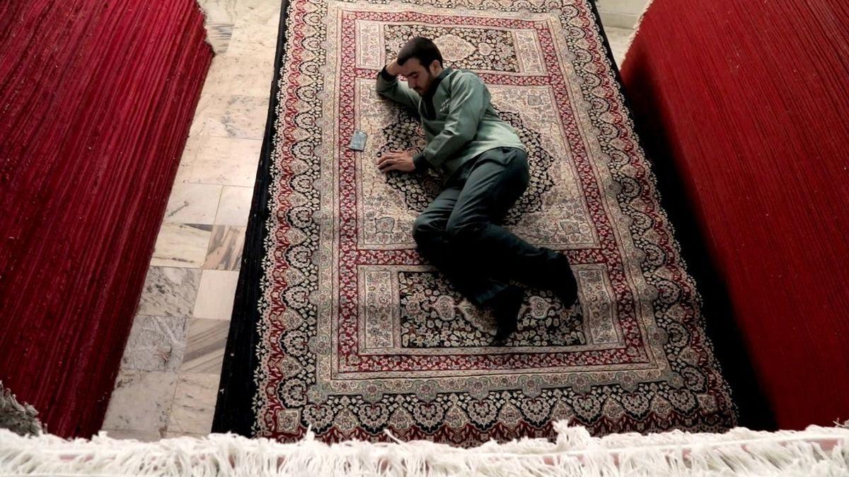 شرح شوریدگی خادمان حرم امام رضا (ع) در «فرشهایی برای عرش»/  تولید  جدید شبکه مستند پخش می شود