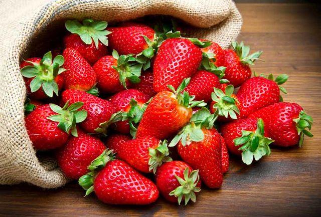 این قسمت از توت فرنگی را نخورید؛ خطرناک است