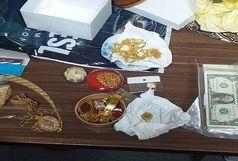 شهروند اصفهانی کیسه طلا و دلار را به بازیافت داد!
