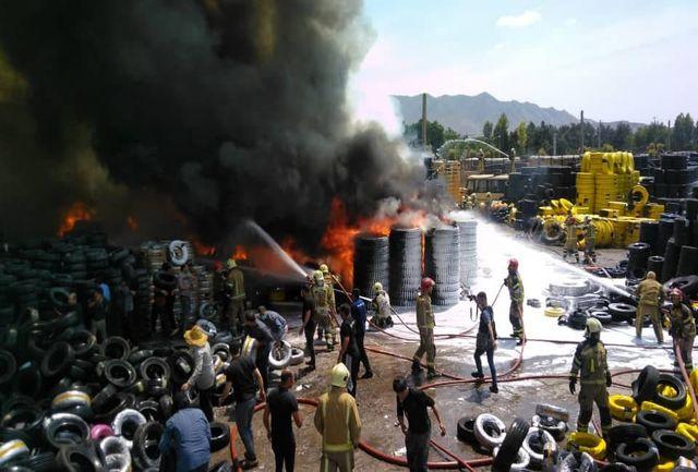 اولین تصاویر از آتش سوزی گسترده بارانداز مشیریه