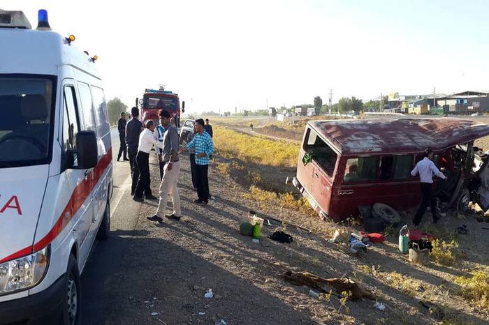 علت حادثه سقوط مینیبوس حامل زائران افغان