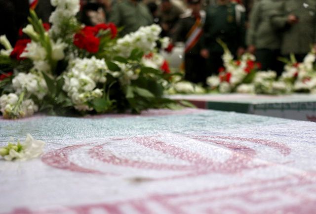 تشییع شهید گمنام ۱۷ ساله در ریگان