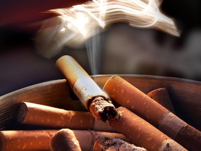 نشانه های اختلالات روانی در سیگاری ها / ارتباط تمایل به سیگار کشیدن با اختلالات بیرونی سازی کودکان