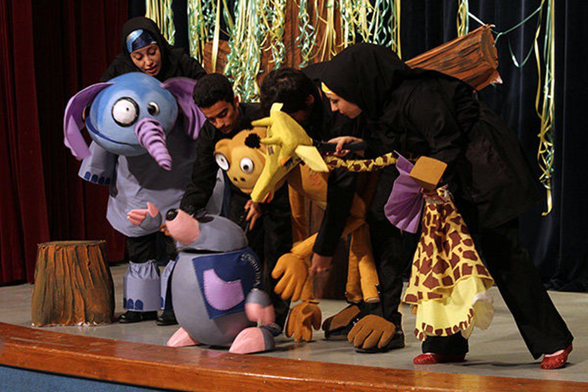 تئاتر کودک و نوجوان به دلیل حساسیت بیشتر مخاطبان شرایط بدی را تجربه کرد/ شاید پخش نشدن فیلم و تئاتر برای کودک و نوجوان به دلیل عدم استقبال گروههای اجرایی بود!