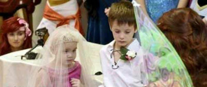 مرگ غم انگیز دختر بچه 5 ساله پس از ازدواج + عکس