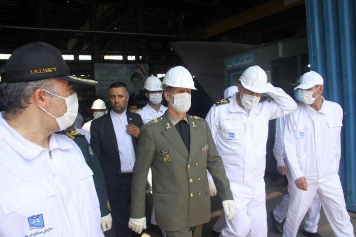 ناوشکن دنا به زودی به نیروی دریایی راهبردی ارتش ملحق میشود/ مین شکار صبا مأموریت شناسایی و انهدام انواع مین های دریایی را بر عهده دارد