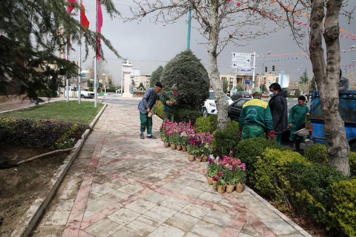 کاشت گلهای فصلی و بهاری در بوستان ها و فضاهای سبز سطح شهر اندیشه