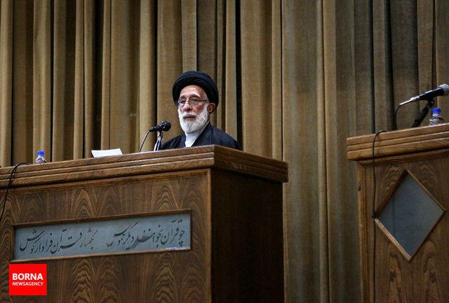 هادی خامنهای: امیدواریم این انقلاب تا آخر بماند