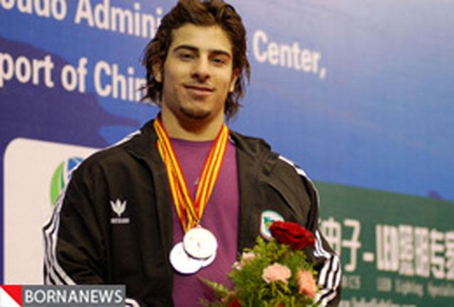 کیانوش رستمی قهرمان وزنهبرداری جوانان جهان شد