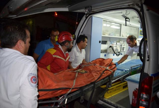 واژگونی هولناک اتوبوس در جاده کرمانشاه/ شمار مصدومین اعلام شد