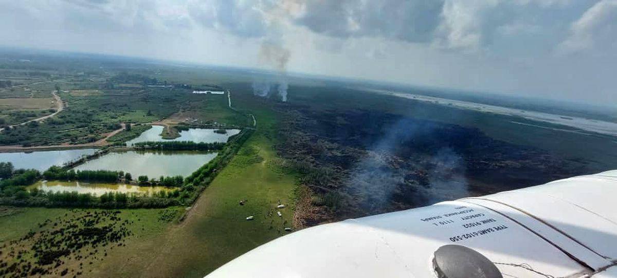 هدف آتشسوزیهای تالاب انزلی، فروشِ زمینها به قصد ویلاسازی است/پشت پرده آتش سوزی تالاب انزلی آدمهای بانفوذ هستند