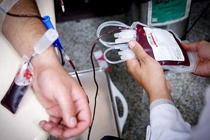 اهدای پلاکت و پلاسما درمرکز خواجو در روزعاشورا/اهدای زندگی به جای قمه زنی/750 نفر در روز تاسوعا خون اهدا کردند