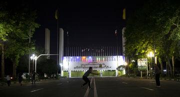 حال و هوای استادیوم آزادی بعد از زلزله