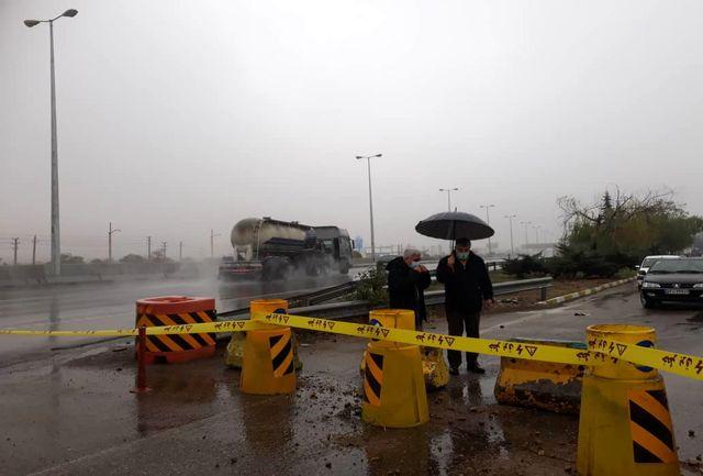 جادههای فارس لغزنده است / رانندگان با احتیاط رانندگی کنند