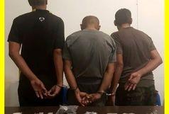 دستگیری ۳ سوداگر مرگ و کشف مواد مخدر سنتی