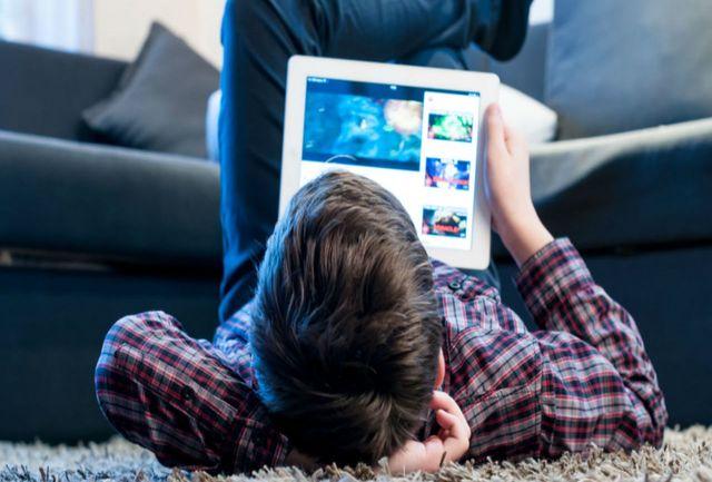 نگرانیها در مورد امنیت کودکان و نوجوانان در فضای مجازی افزایش یافته است
