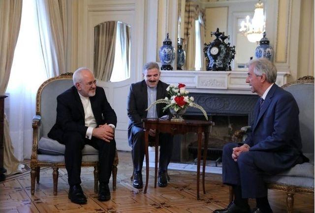 در دیدار ظریف و رئیسجمهور اروگوئه؛ توسعه روابط ایران و اروگوئه مورد تاکید قرار گرفت