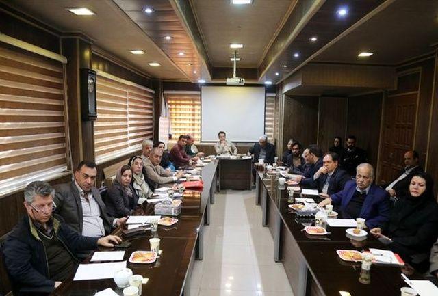 روزنامه ها قربانی حمایت / 50 مدیر مسئول  رسانه  : بخشنامه قوه قضائیه را لغو کنید