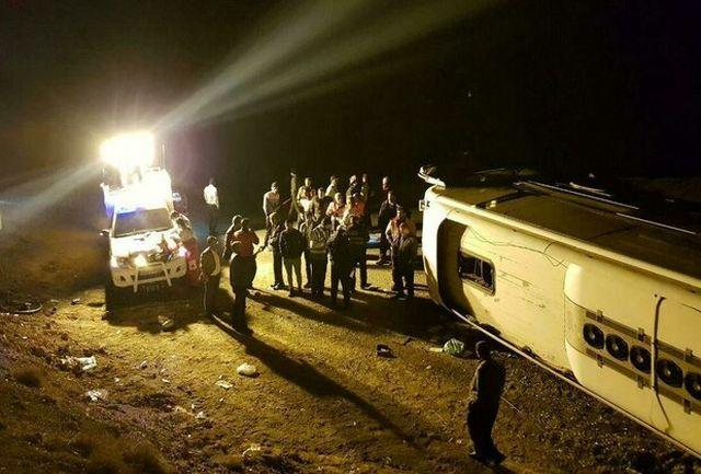 11 مجروح در واژگونی اتوبوس در اتوبان کرج به قزوین