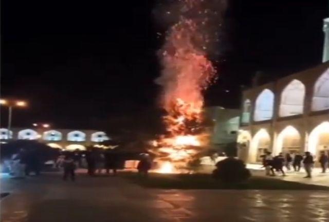 آتش سوزی در میدان نقش جهان مهار شد