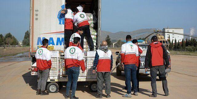 ارسال محموله موادغذایی از سمنان برای سیل زدگان سیستان و بلوچستان