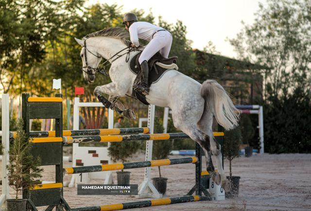 هفته چهارم مسابقات پرش با اسب در همدان برگزار شد