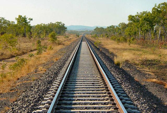 آغاز ریل گذاری خط آهن بین المللی آستارا – آستارا در خاک ایران
